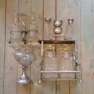 oude en antieke verzilverde verzamelobjecten met kristal