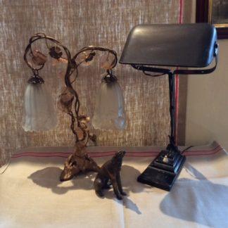 oude en antieke lampen, klokken, radio's, elektrische apparaten