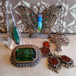 oude antieke zilveren sieraden en bijzondere sieraden