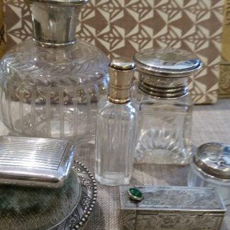 oude antieke zilveren/verzilverde verzamelobjecten (met kristal)